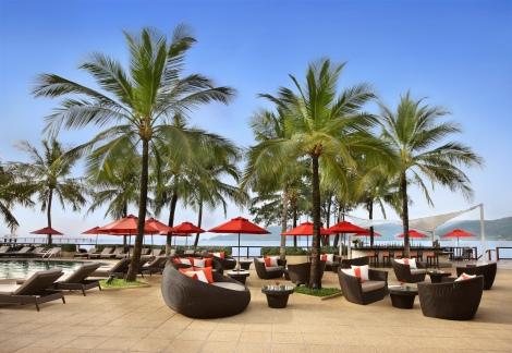 Amari Phuket Pool Bar-01