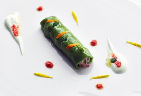 raw-sicilian-red-prawns-with-avocado
